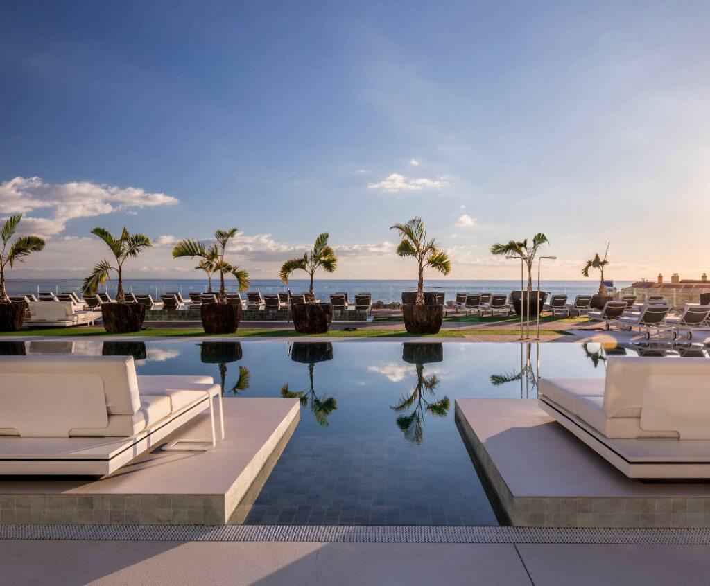 ROYAL HIDEAWAY CORALES SUITES — Tenerife