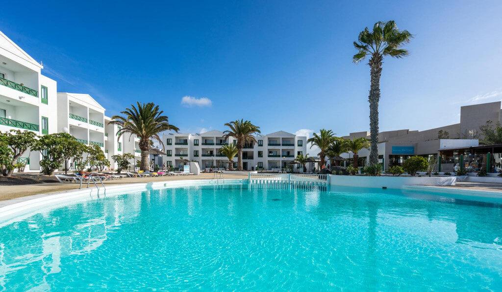 BLUE SEA COSTA TEGUISE BEACH — Lanzarote
