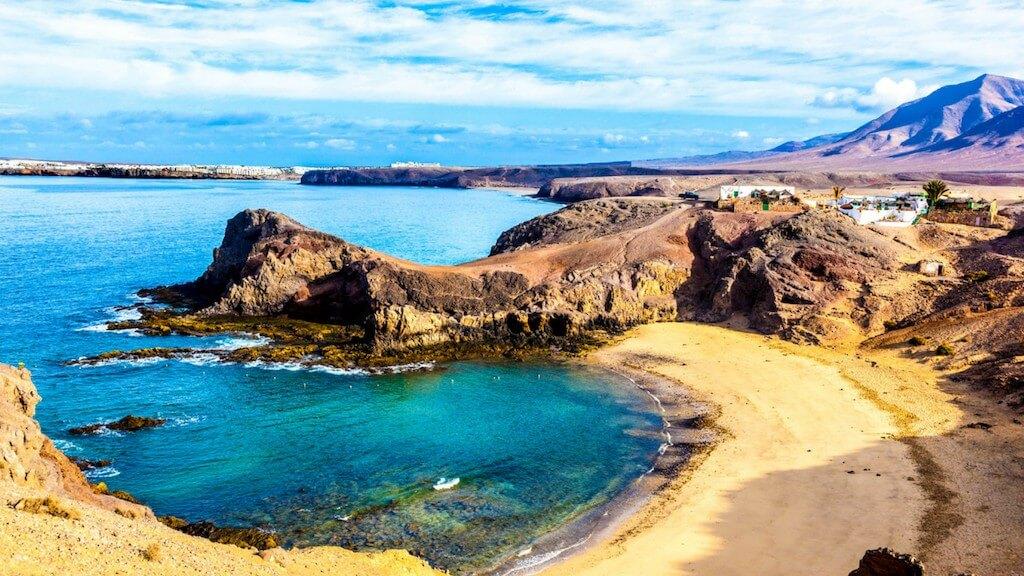utazás, Lanzarote, Programok magyarul, Papagayo-öböl és Delfinles - Catlanza Catamaran, 4