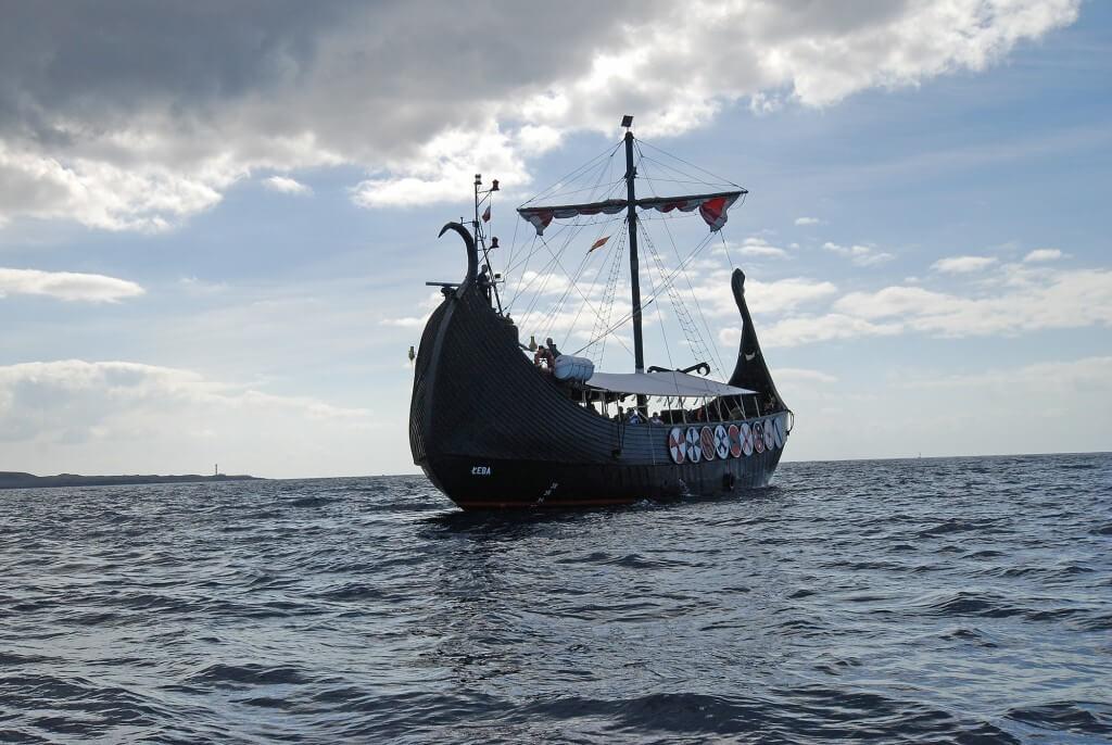 kanári nyaralás, Tenerife, Programok magyarul, Ragnarok Viking Hajó Bálna- és Delfinles, 5
