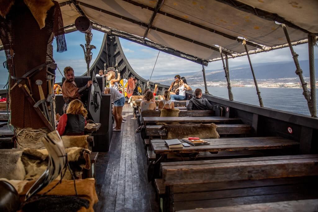 utazások, Tenerife, Programok magyarul, Ragnarok Viking Hajó Bálna- és Delfinles, 6