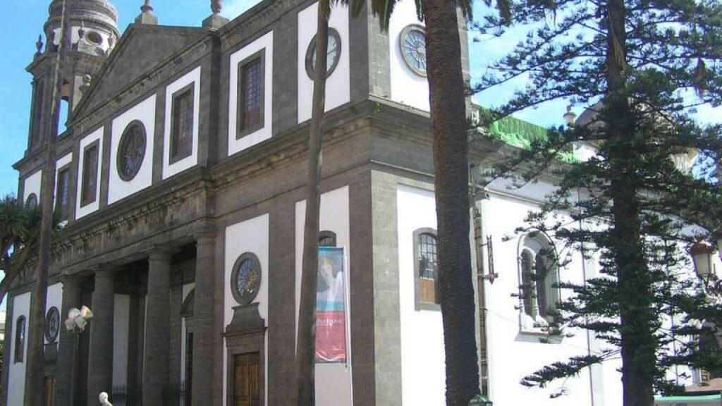 üdülés, Tenerife, Programok magyarul, Candelaria, La Laguna, Santa Cruz Városnézés Magyarul, 8