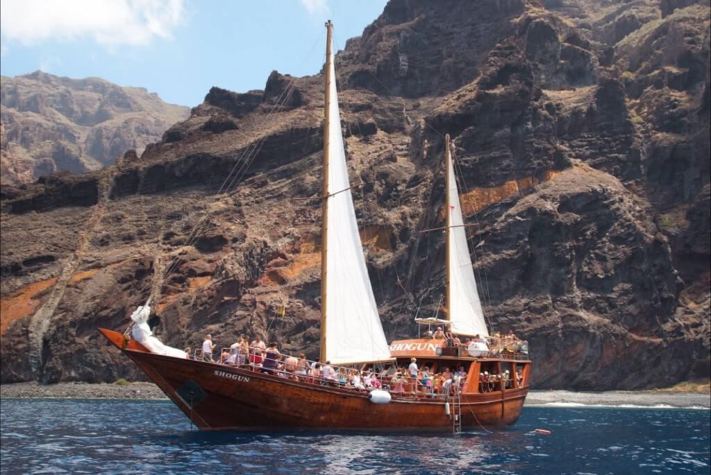 utak Kanári-szigetek, Tenerife, Programok magyarul, Hajókirándulás és Bálnales Vitorlással, 12