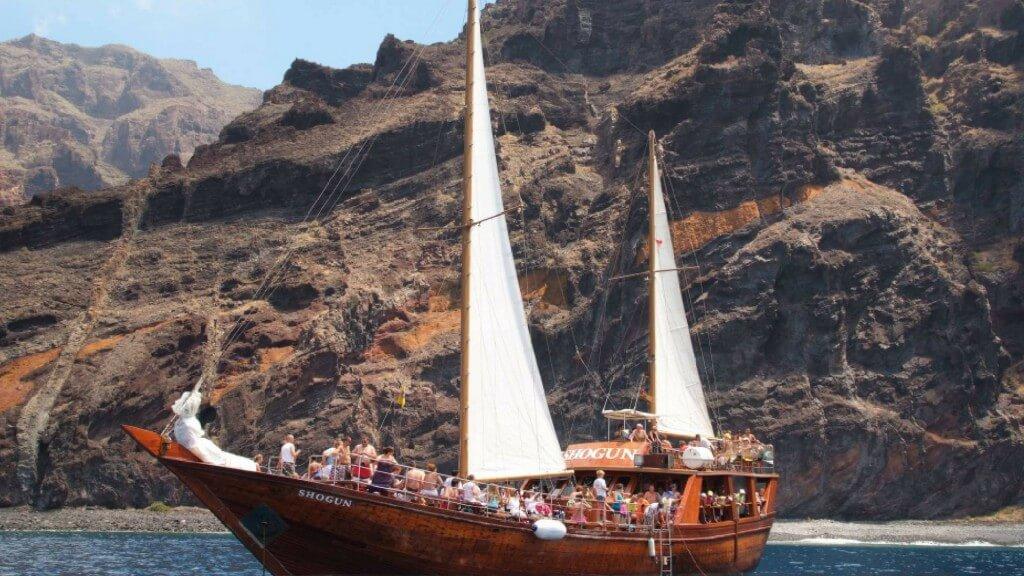 utak, Tenerife, Programok magyarul, Hajókirándulás és Bálnales Vitorlással, 0