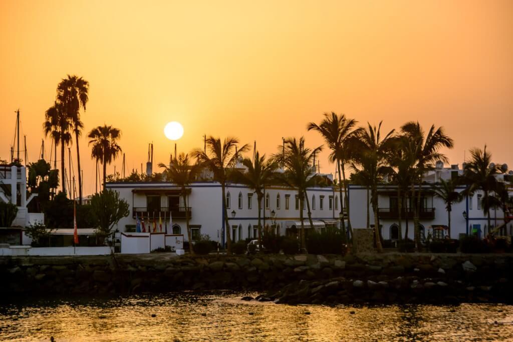 kanári nyaralás, Gran Canaria, Programok magyarul, Tengeri élővilág Megfigyelése Tengeralattjáróval & Séta Mogánban, 8